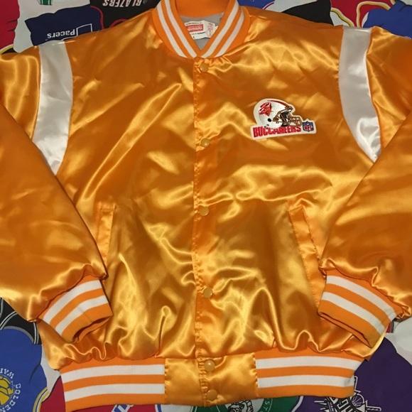 the latest 53cf1 32aae Vintage Tampa Bay Buccaneers satin jacket